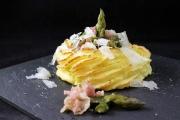 Nidi di patate con asparagi e pancetta